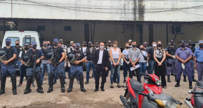 ENFRENTAMIENTO DE DOS BANDAS EN UN BARRIO DE LA CIUDAD ACABA CON DETENIDOS, SECUESTRO DE ARMAS Y DROGA.
